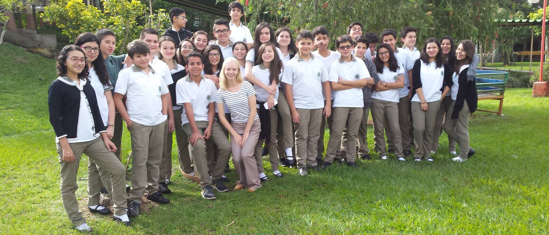 Amy Brown and students in Costa Rica