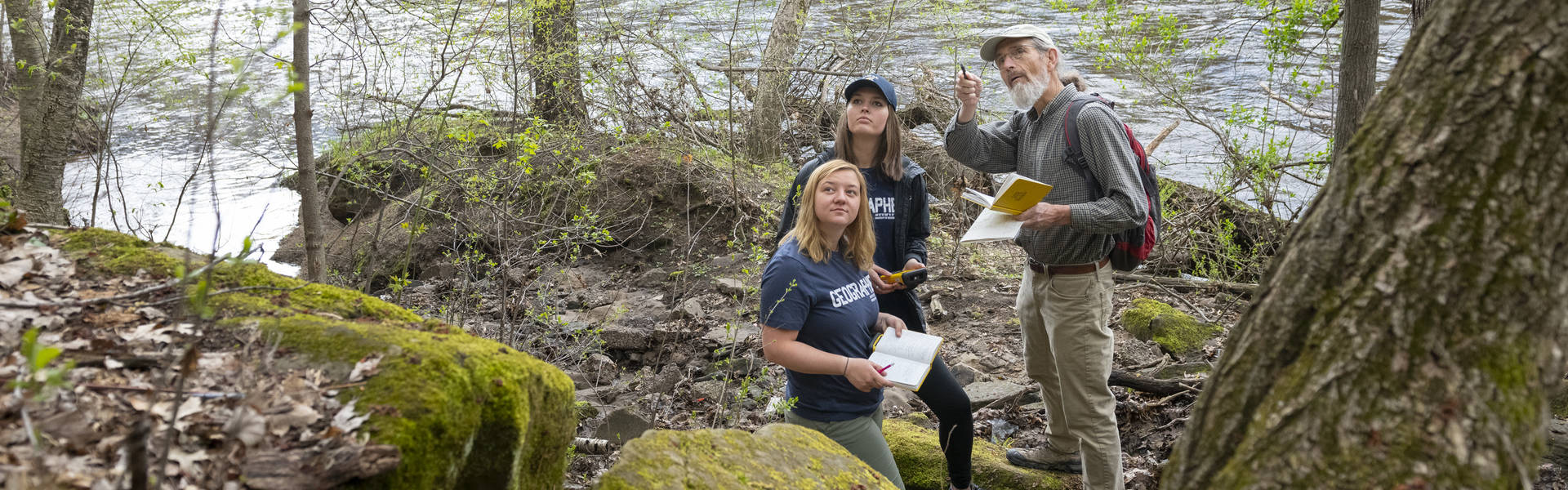 Doug Faulkner and students on Chippewa River bank