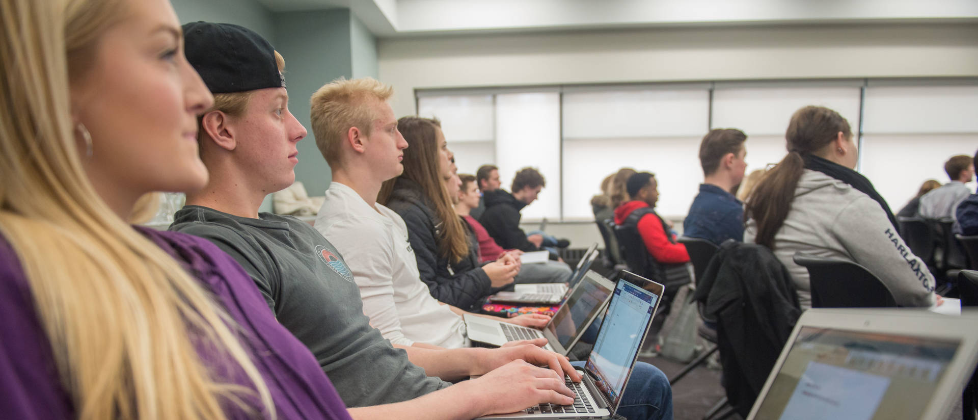 Laptop requirement in College of Business