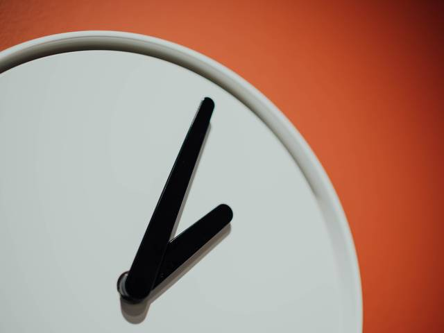 Effective Office Hours: Getting Students to Show Up