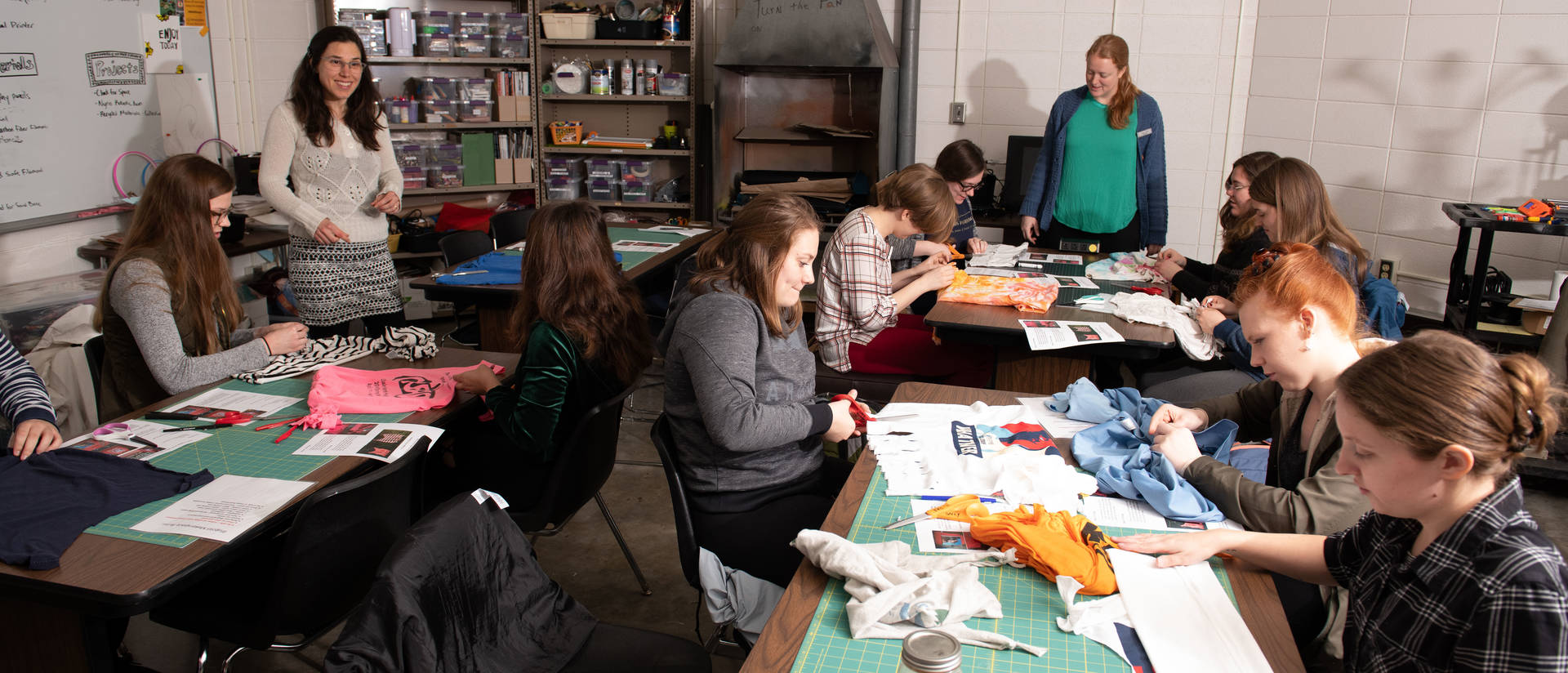 UW-Eau Claire French students creating projects in makerspace
