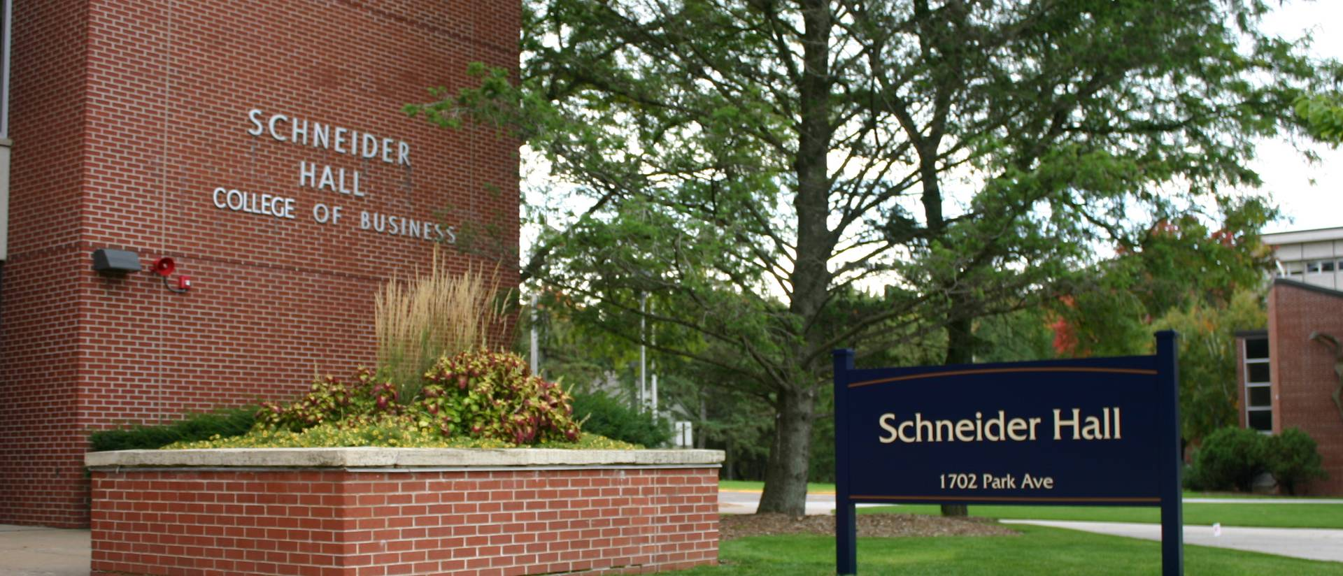 IS Dept. awards nearly $10,000 in scholarships