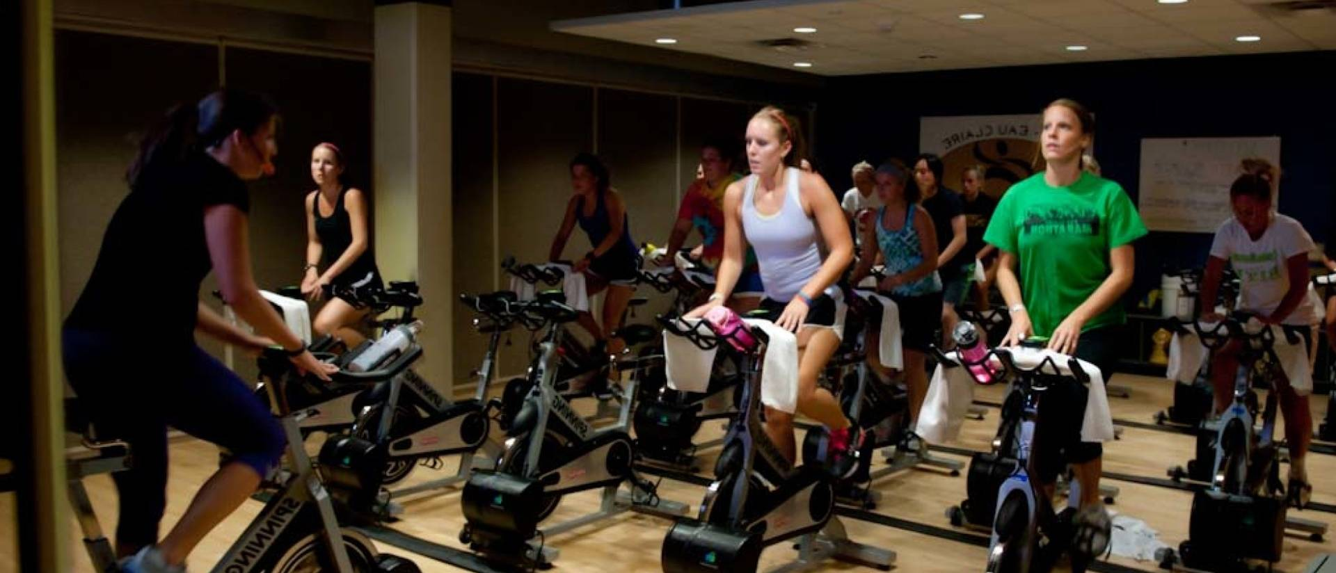 UWEC students in spinning class