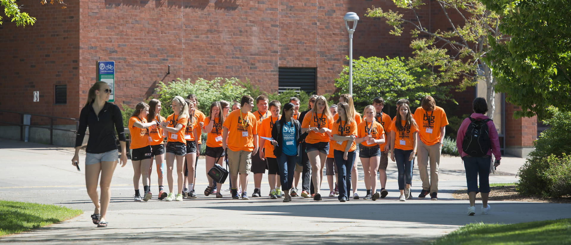 Eighth-graders touring the UW-Eau Claire campus during the Blugold Beginnings Eighth-Grade Tour Day