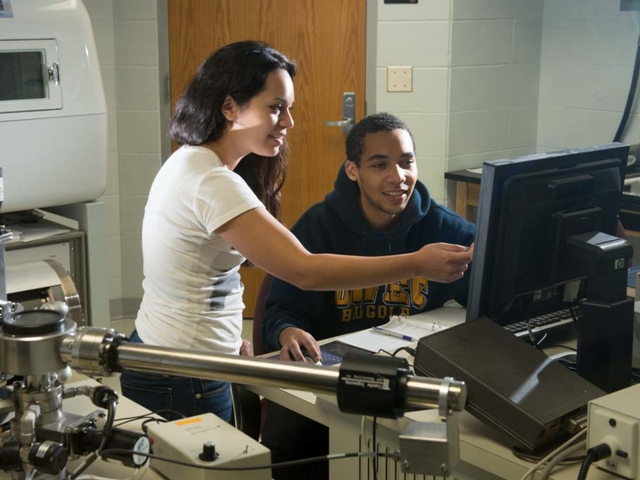 Materials Science students work together