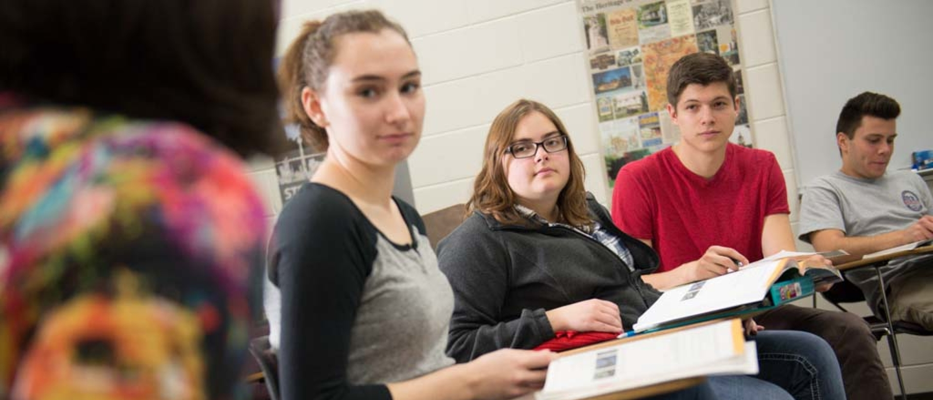 UWEC students in language class