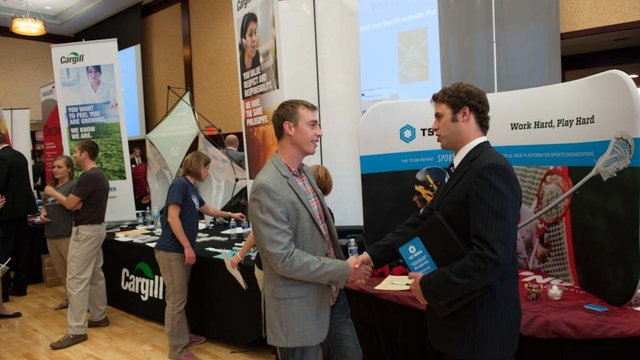 UWEC Student at internships fair