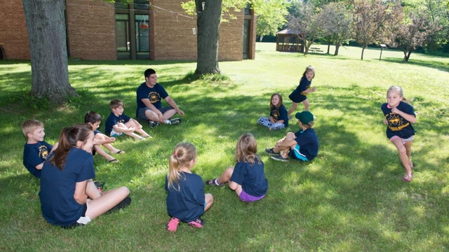 Eau Claire children at Bilingual Beginnings Camp