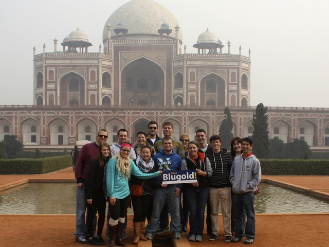 Students in front of Taj Mahal