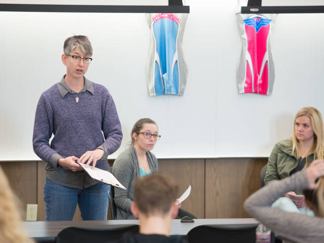 Dr. Pam Forman instructing sociology class