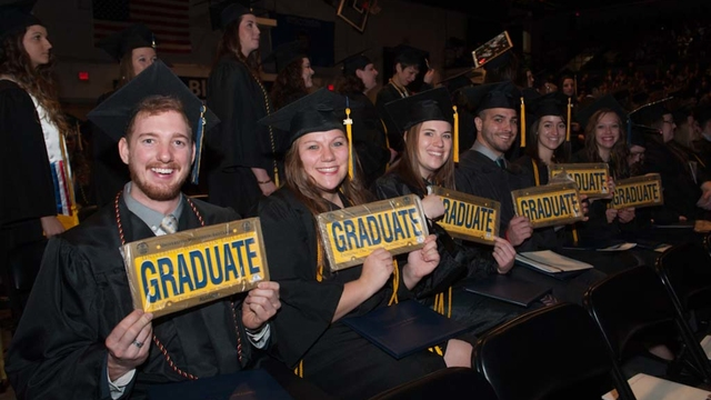 grads at 2014 December commencement