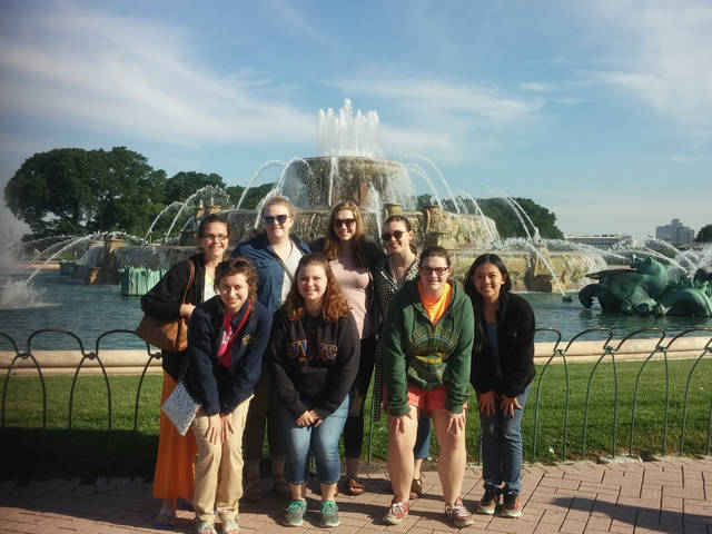 UW-Eau Claire social work majors on Illinois immersion trip.