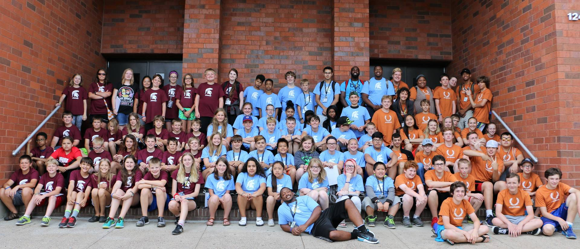 Blugold Beginnings campers outside Hibbard Hall