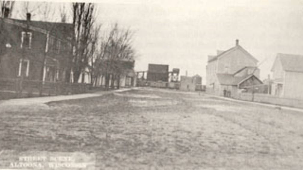 Old photo of Altoona Main Street